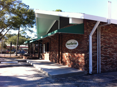 Gainesville SweetBerries Front Entrance